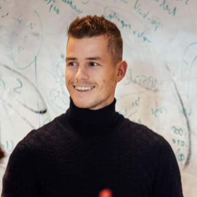 Stephan de Barse, a member of aim10x Executive council and o9's Executive Vice President